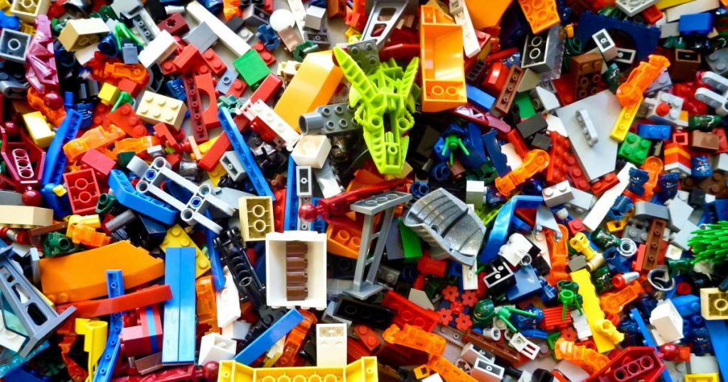 Assorted color lego blocks